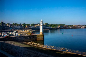 Nrewhaven Harbour & Lighthouse